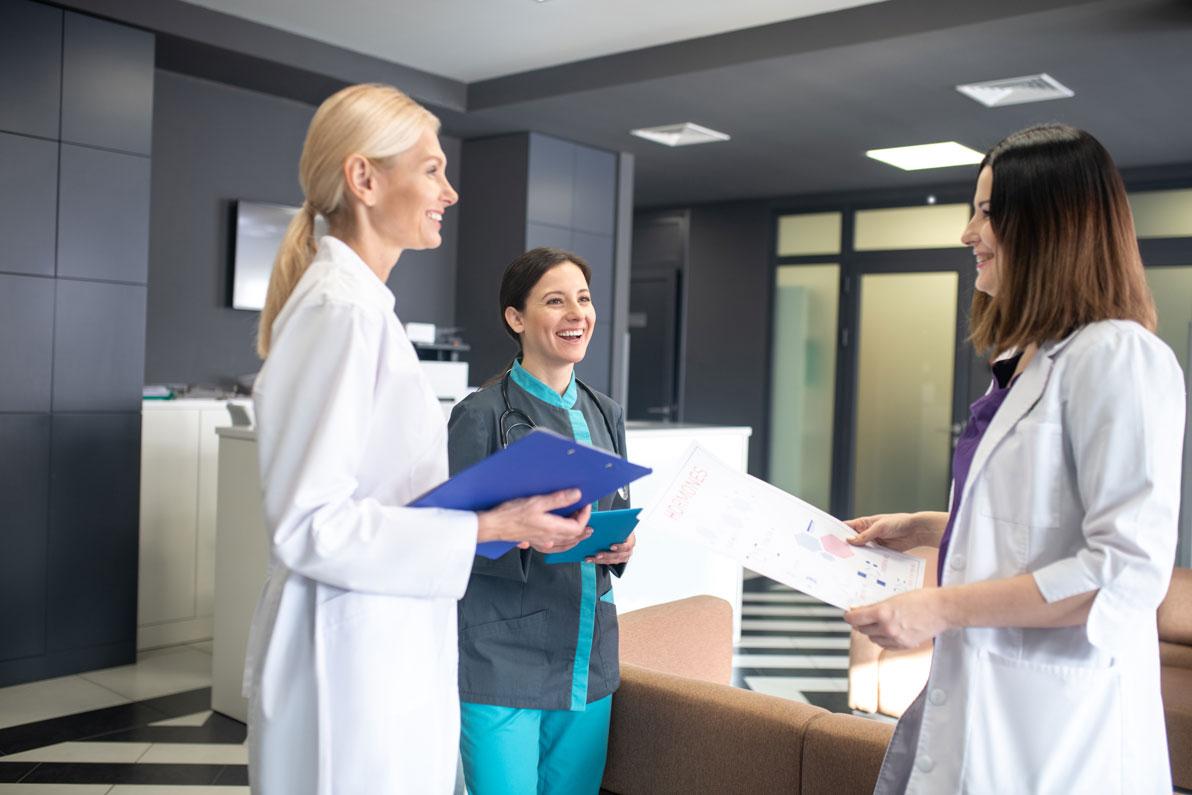 Female Doctors in healthcare industry